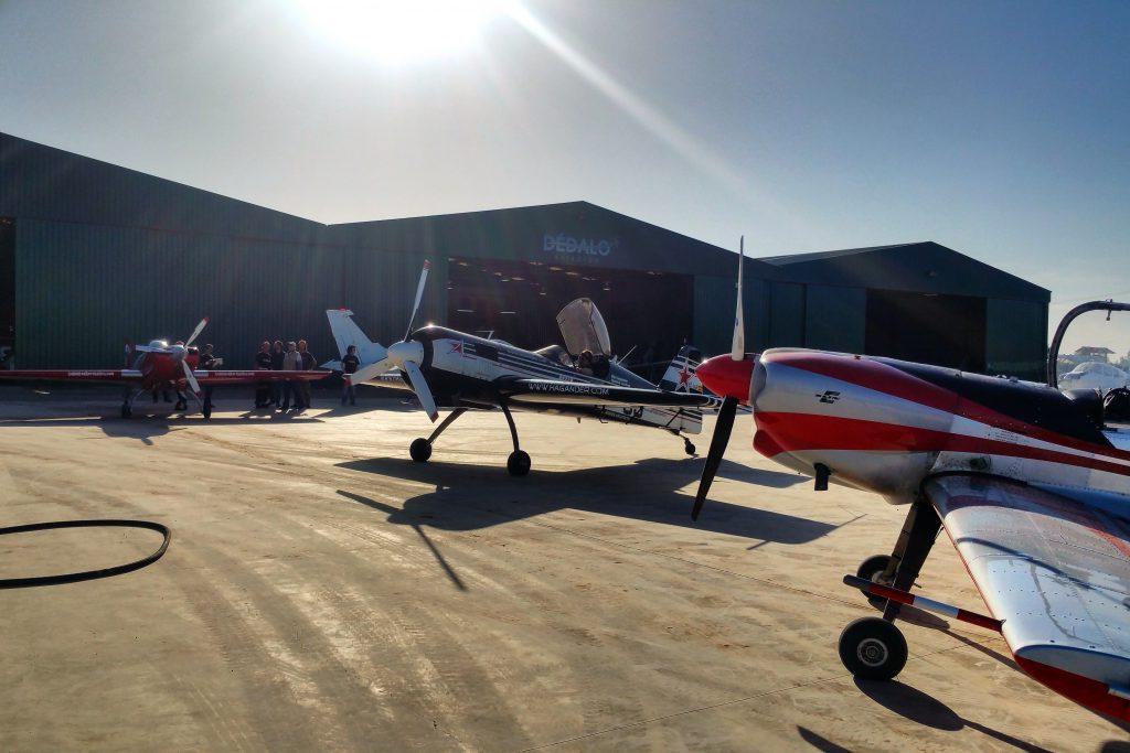 aviones-esperando-turno-para-combustible