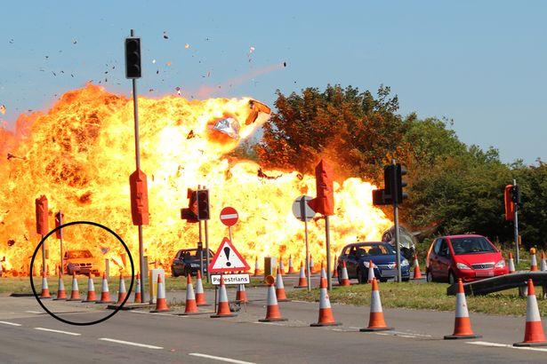 The-moment-of-impact-on-the-A27-at-the-Shoreham-Airshow-circled